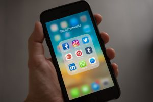 social media facts & stats